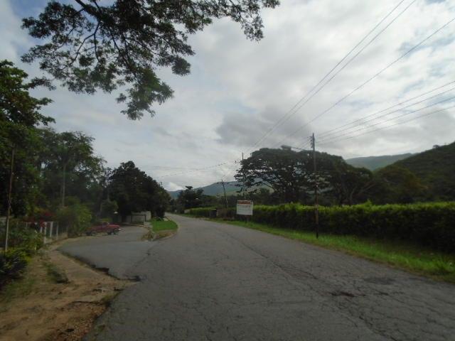 Casa Carabobo>Municipio Montalban>Aguirre - Venta:18.000 Precio Referencial - codigo: 19-8119