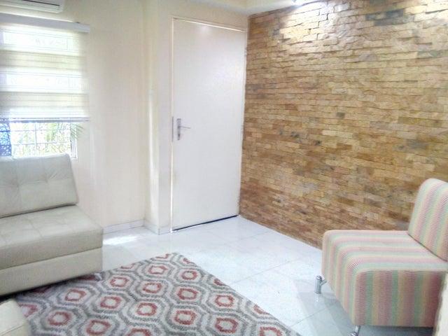 Casa Lara>Cabudare>Caminos de Tarabana - Venta:35.000 Precio Referencial - codigo: 19-8278