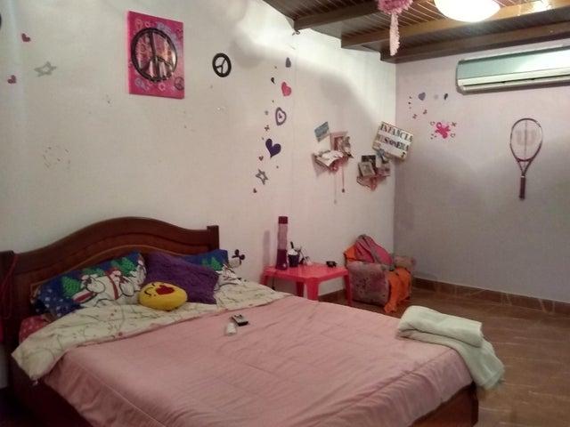 Casa Lara>Barquisimeto>El Manzano - Venta:90.000 Precio Referencial - codigo: 19-8154