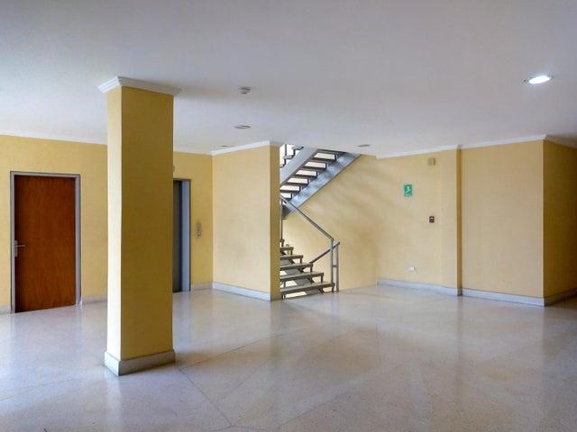 Local Comercial Carabobo>Valencia>Zona Industrial - Venta:12.000 Precio Referencial - codigo: 19-8158