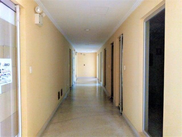 Local Comercial Carabobo>Valencia>Zona Industrial - Alquiler:150 Precio Referencial - codigo: 19-8160