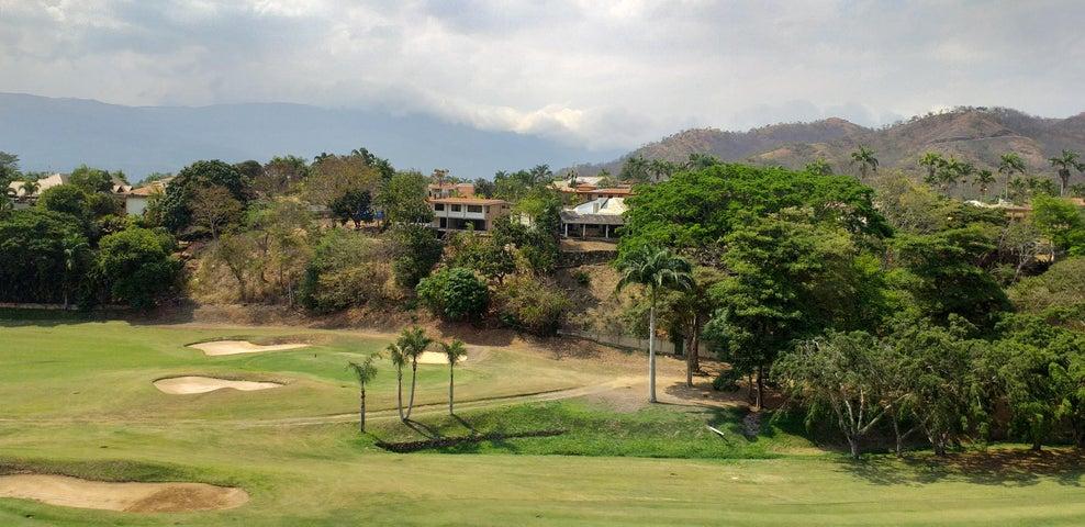 Terreno Carabobo>Valencia>Altos de Guataparo - Venta:315.000 Precio Referencial - codigo: 19-8173