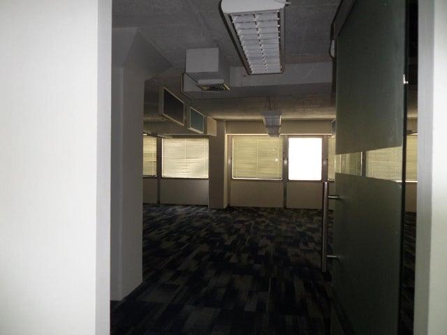 Oficina Distrito Metropolitano>Caracas>Los Ruices - Alquiler:700 Precio Referencial - codigo: 19-8180