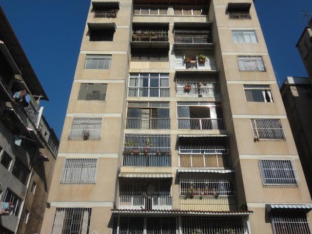 Apartamento Distrito Metropolitano>Caracas>Colinas de Bello Monte - Alquiler:400 Precio Referencial - codigo: 19-8243
