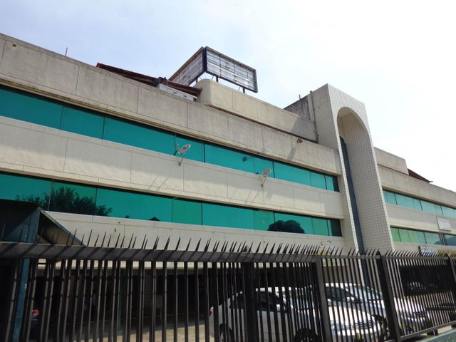 Local Comercial Carabobo>Valencia>Santa Cecilia - Alquiler:400 Precio Referencial - codigo: 19-8333
