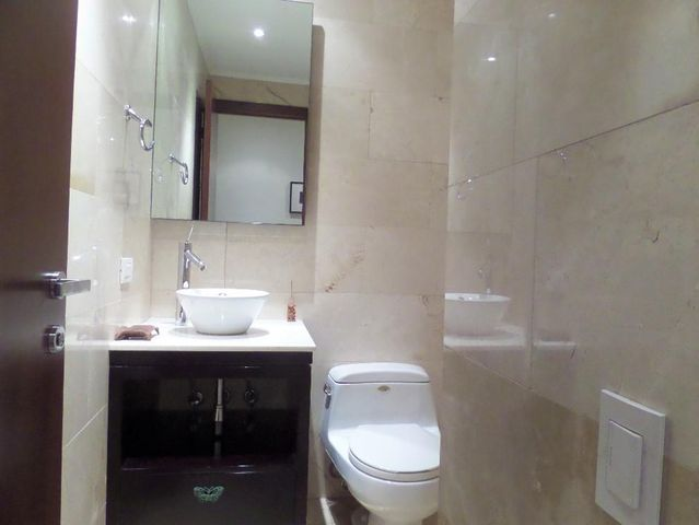 Apartamento Distrito Metropolitano>Caracas>El Mirador - Venta:450.000 Precio Referencial - codigo: 19-8280