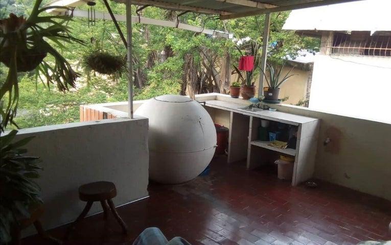 Apartamento Carabobo>Valencia>Guataparo - Venta:16.000 Precio Referencial - codigo: 19-8322