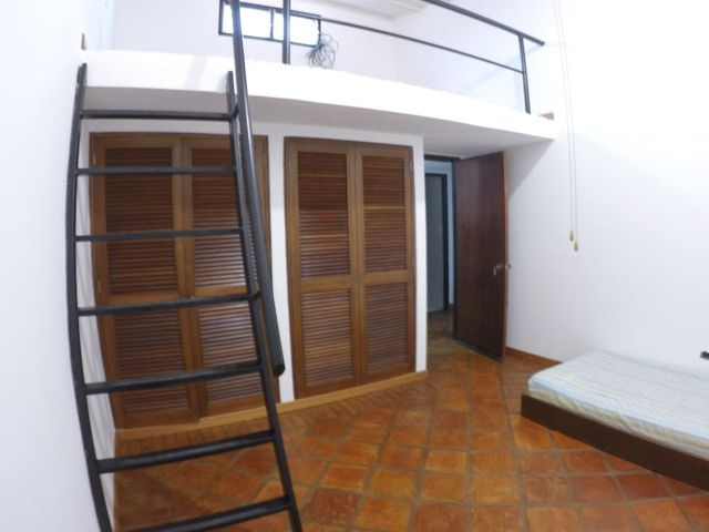 Casa Distrito Metropolitano>Caracas>Oripoto - Venta:189.000 Precio Referencial - codigo: 19-8358