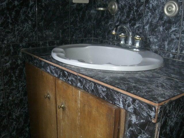 Apartamento Distrito Metropolitano>Caracas>El Valle - Venta:20.000 Precio Referencial - codigo: 19-8391