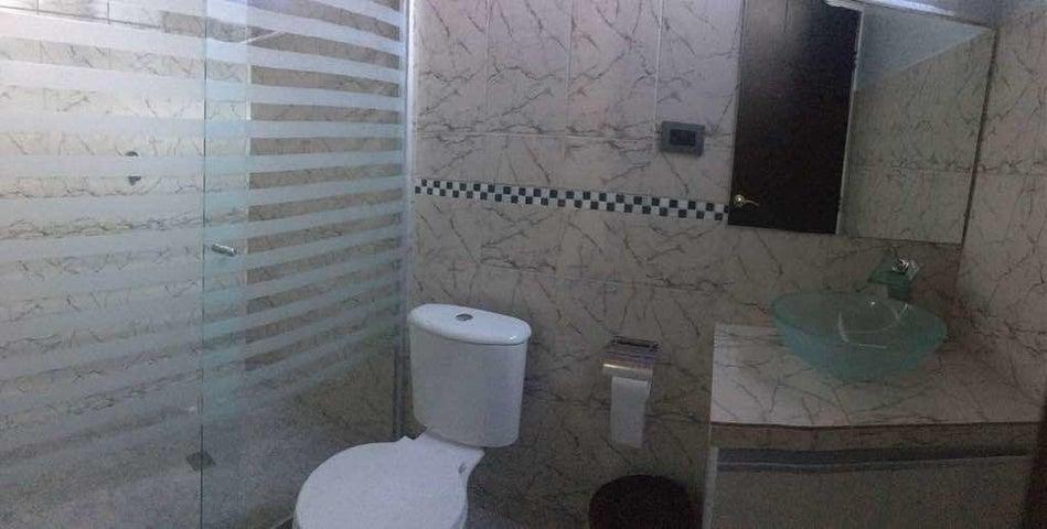 Casa Lara>Barquisimeto>El Manzano - Venta:65.000 Precio Referencial - codigo: 19-8404