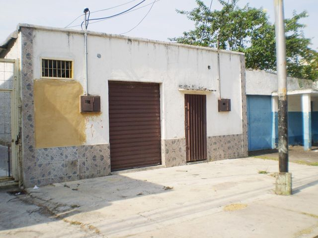 Local Comercial Aragua>Maracay>Santa Rosa - Alquiler:150 Precio Referencial - codigo: 19-8442