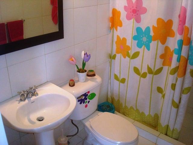 Apartamento Distrito Metropolitano>Caracas>Loma Linda - Venta:120.000 Precio Referencial - codigo: 19-8468