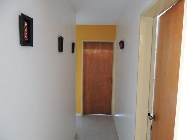 Apartamento Distrito Metropolitano>Caracas>La Boyera - Venta:45.000 Precio Referencial - codigo: 19-8474