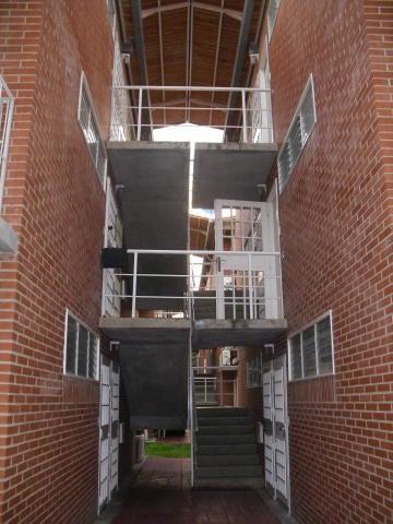 Apartamento Miranda>Guatire>Alto Grande - Venta:22.000 Precio Referencial - codigo: 19-8513