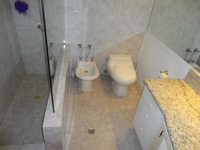 Casa Distrito Metropolitano>Caracas>La Tahona - Venta:390.000 Precio Referencial - codigo: 19-8536