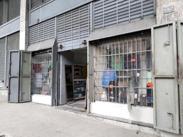 Local Comercial Distrito Metropolitano>Caracas>Parroquia Catedral - Venta:100.000 Precio Referencial - codigo: 19-8539