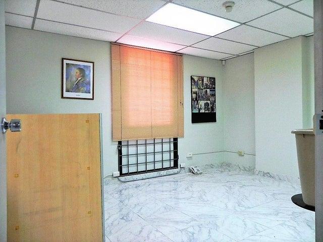 Oficina Distrito Metropolitano>Caracas>Los Ruices - Venta:110.000 Precio Referencial - codigo: 19-8540