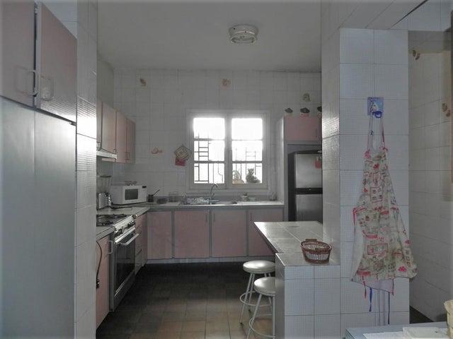 Casa Distrito Metropolitano>Caracas>San Bernardino - Venta:130.000 Precio Referencial - codigo: 19-8548