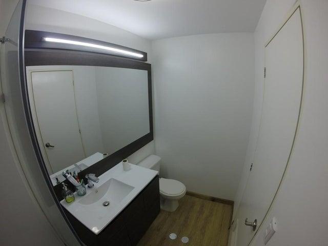 Apartamento Distrito Metropolitano>Caracas>El Encantado - Venta:46.000 Precio Referencial - codigo: 19-8576