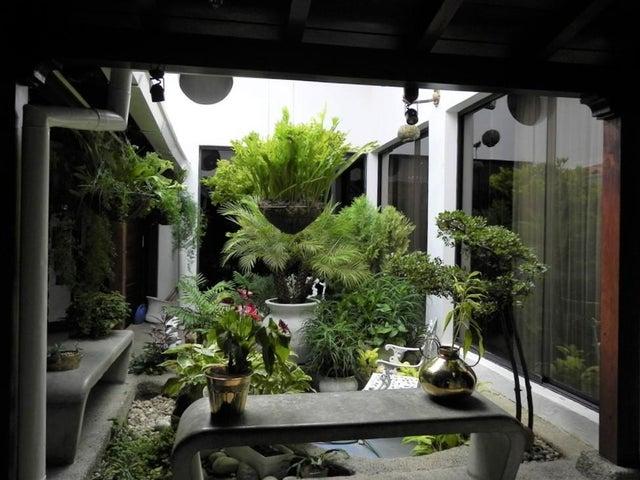 Casa Distrito Metropolitano>Caracas>Altamira - Venta:850.000 Precio Referencial - codigo: 19-8581