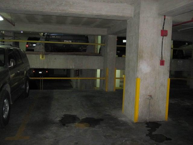 Apartamento Distrito Metropolitano>Caracas>Los Dos Caminos - Venta:120.000 Precio Referencial - codigo: 19-8732
