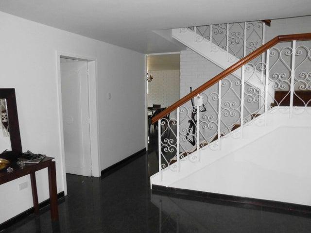 Apartamento Distrito Metropolitano>Caracas>Los Palos Grandes - Venta:290.000 Precio Referencial - codigo: 19-8657