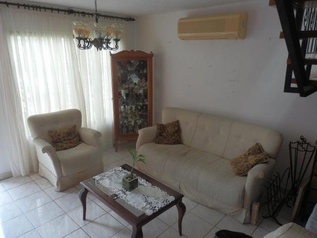 Casa Lara>Barquisimeto>La Rosaleda - Venta:100.000 Precio Referencial - codigo: 19-8649