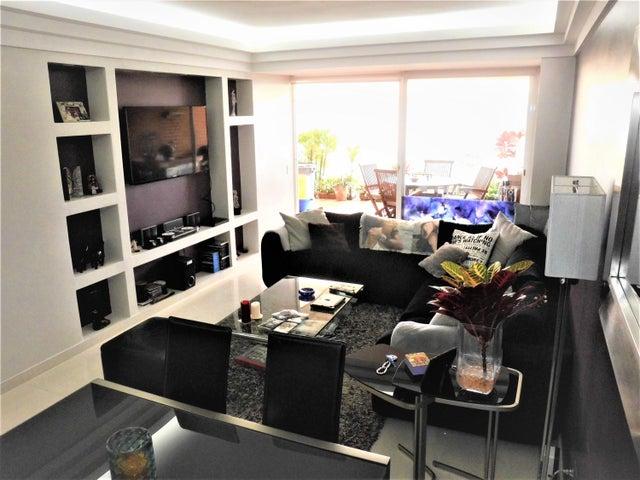 Apartamento Distrito Metropolitano>Caracas>El Hatillo - Venta:135.000 Precio Referencial - codigo: 19-8735