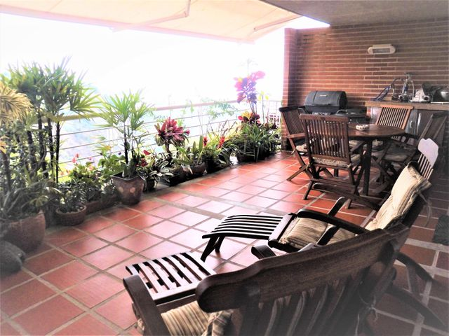Apartamento Distrito Metropolitano>Caracas>El Hatillo - Venta:180.000 Precio Referencial - codigo: 19-8735