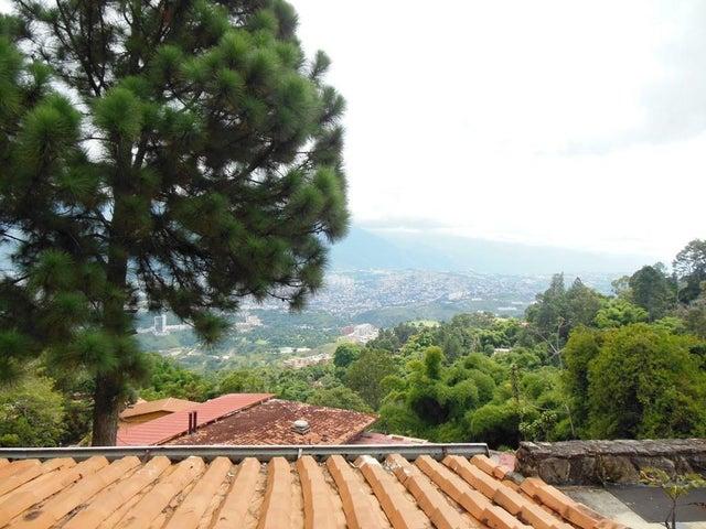 Casa Distrito Metropolitano>Caracas>Alto Hatillo - Venta:1.000.000 Precio Referencial - codigo: 19-8684