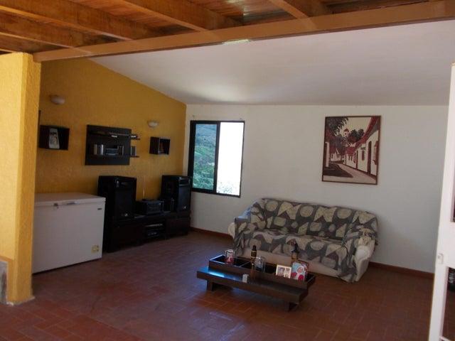 Casa Vargas>El Junquito-Vargas>El Junko Country Club - Venta:157.500 Precio Referencial - codigo: 19-6981
