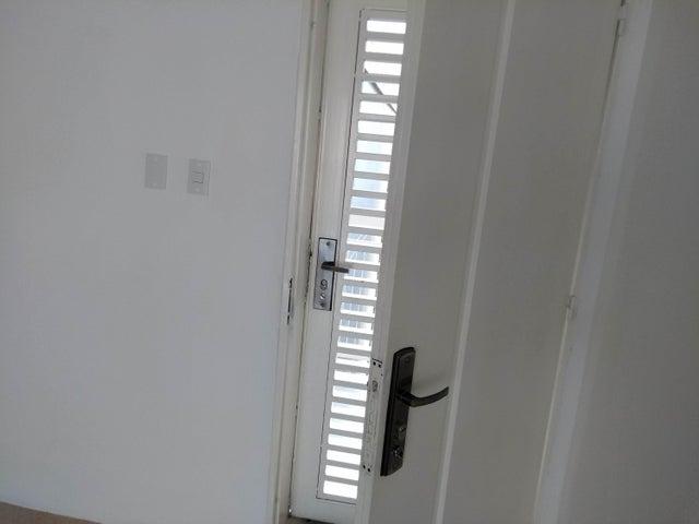 Apartamento Distrito Metropolitano>Caracas>El Encantado - Venta:40.000 Precio Referencial - codigo: 19-8874