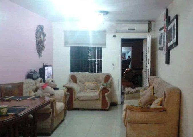 Casa Portuguesa>Araure>Roca del Llano - Venta:18.000 Precio Referencial - codigo: 19-8941