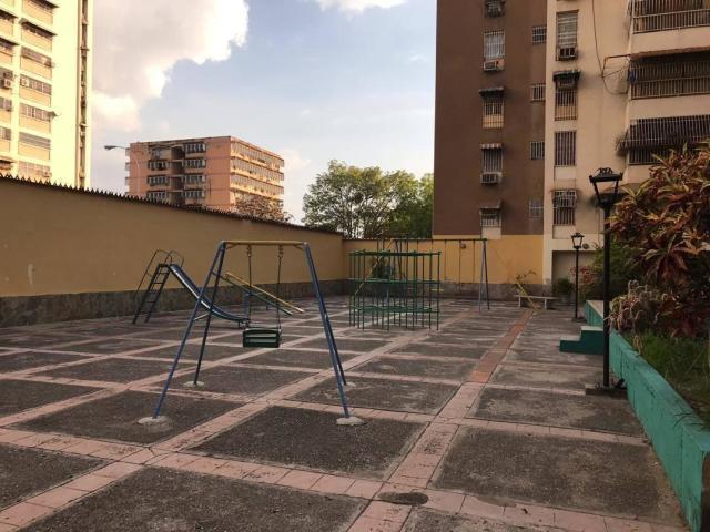 Apartamento Aragua>Maracay>Base Aragua - Venta:23.000 Precio Referencial - codigo: 19-8771