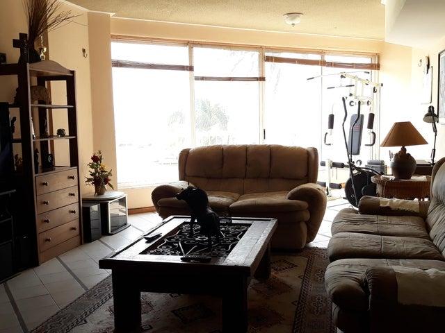 Apartamento Anzoategui>Puerto La Cruz>Complejo Turistico El Morro - Venta:65.000 Precio Referencial - codigo: 19-8770