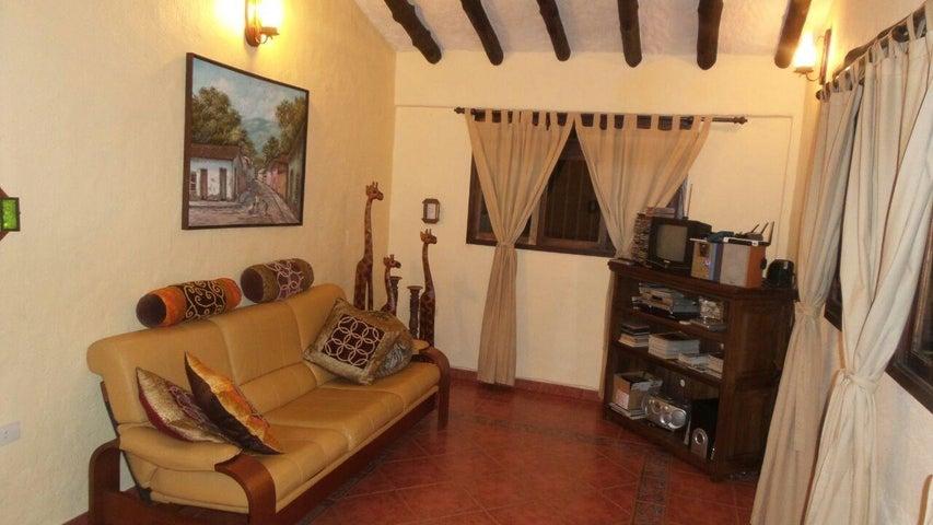 Casa Merida>Tabay>Mucunutan - Venta:200.000 Precio Referencial - codigo: 19-8773