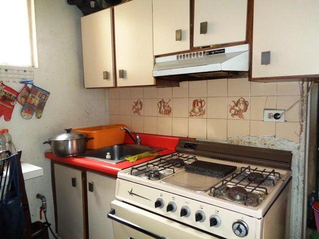 Apartamento Distrito Metropolitano>Caracas>San Bernardino - Venta:25.000 Precio Referencial - codigo: 19-8775