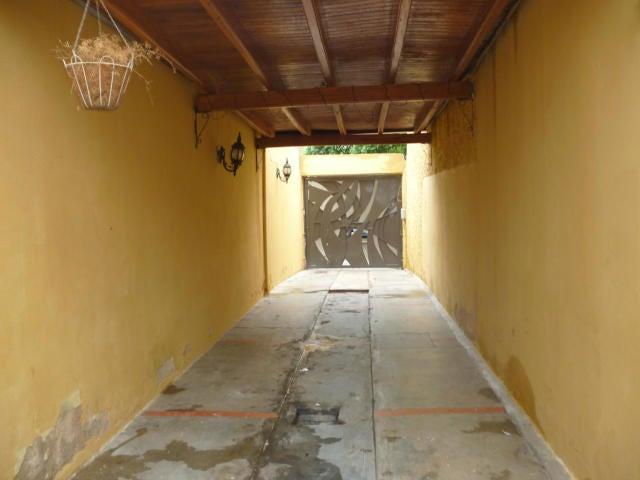 Casa Carabobo>Valencia>El Bosque - Venta:48.000 Precio Referencial - codigo: 19-8955