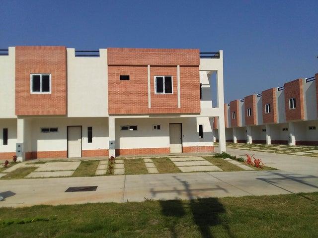 Townhouse Carabobo>Municipio Naguanagua>Manantial - Venta:35.000 Precio Referencial - codigo: 19-9002
