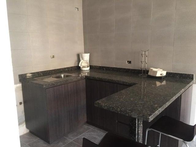 Apartamento Anzoategui>Lecheria>Av Diego Bautista Urbaneja - Venta:44.000 Precio Referencial - codigo: 19-8804