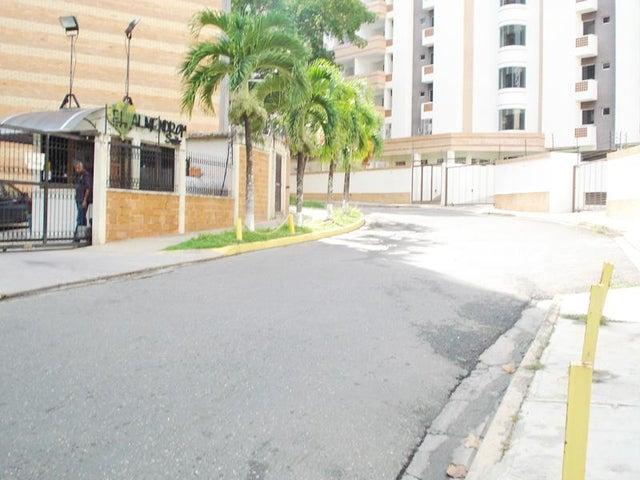 Apartamento Carabobo>Valencia>Campo Alegre - Venta:24.000 Precio Referencial - codigo: 19-8821