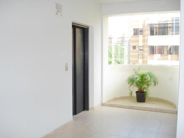 Apartamento Carabobo>Valencia>Campo Alegre - Venta:24.000 Precio Referencial - codigo: 19-8822