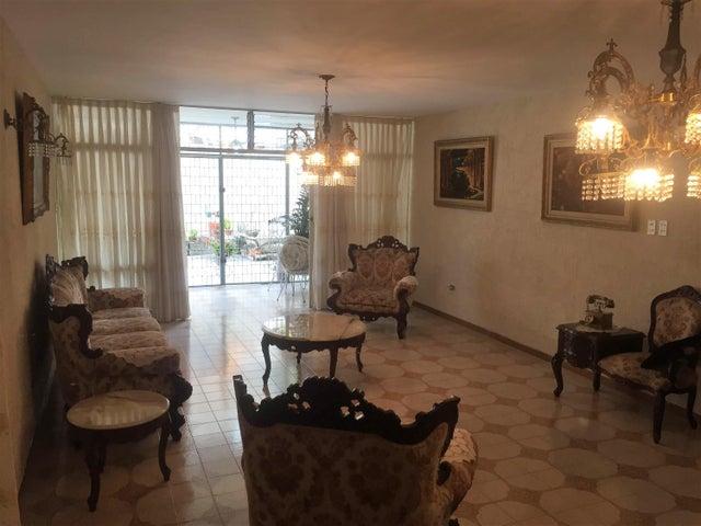 Casa Distrito Metropolitano>Caracas>La California Norte - Venta:105.000 Precio Referencial - codigo: 19-8826