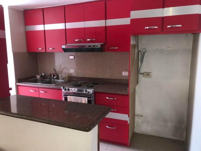 Apartamento Miranda>Los Teques>Municipio Guaicaipuro - Venta:26.000 Precio Referencial - codigo: 19-8839