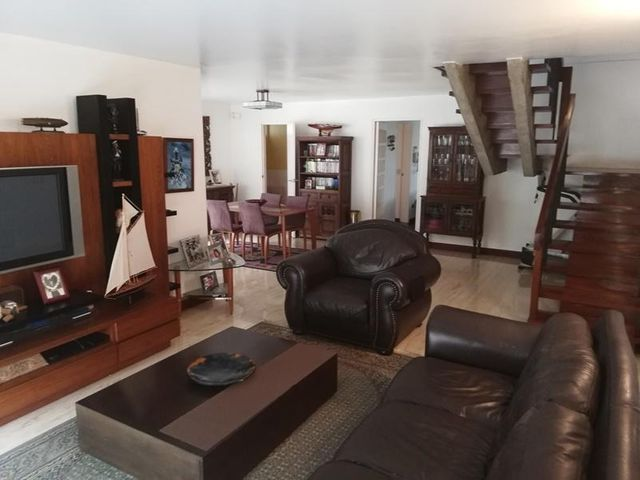 Casa Distrito Metropolitano>Caracas>Prados del Este - Venta:430.000 Precio Referencial - codigo: 19-8617