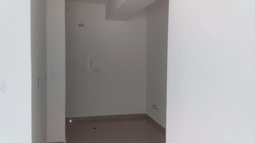 Apartamento Carabobo>Municipio Naguanagua>Manantial - Venta:25.000 Precio Referencial - codigo: 19-8932