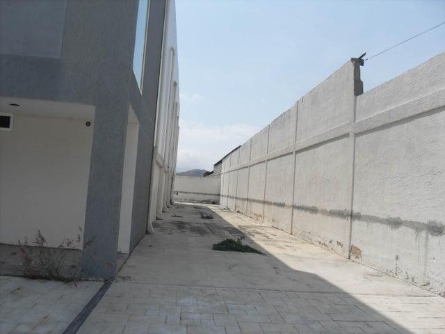 Galpon - Deposito Carabobo>Municipio San Diego>Monteserino - Venta:300.000 Precio Referencial - codigo: 19-8881