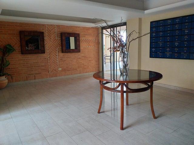 Apartamento Carabobo>Valencia>La Trigaleña - Venta:26.500 Precio Referencial - codigo: 19-8908