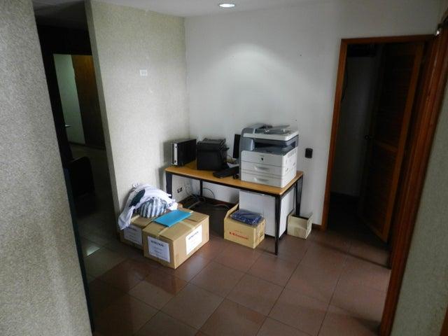 Oficina Distrito Metropolitano>Caracas>Prado Humboldt - Venta:175.000 Precio Referencial - codigo: 19-8984