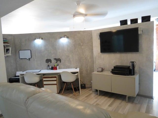 Apartamento Distrito Metropolitano>Caracas>Chuao - Venta:240.000 Precio Referencial - codigo: 19-9137